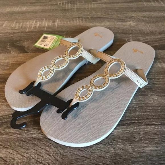 d1868c002ed1 NEW SANUK Ellipsis Flip Flop Sandals Shoes CUTE